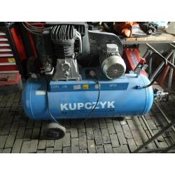 Kompresor dwutłokowy 270L